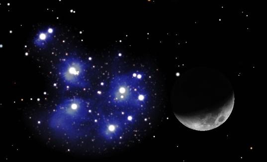 Pleiadi e Luna al primo Quarto
